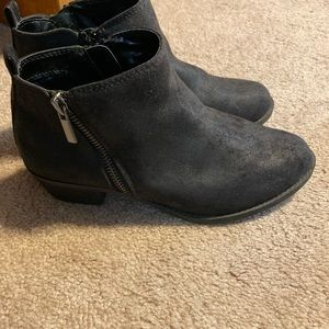 Carlos black booties